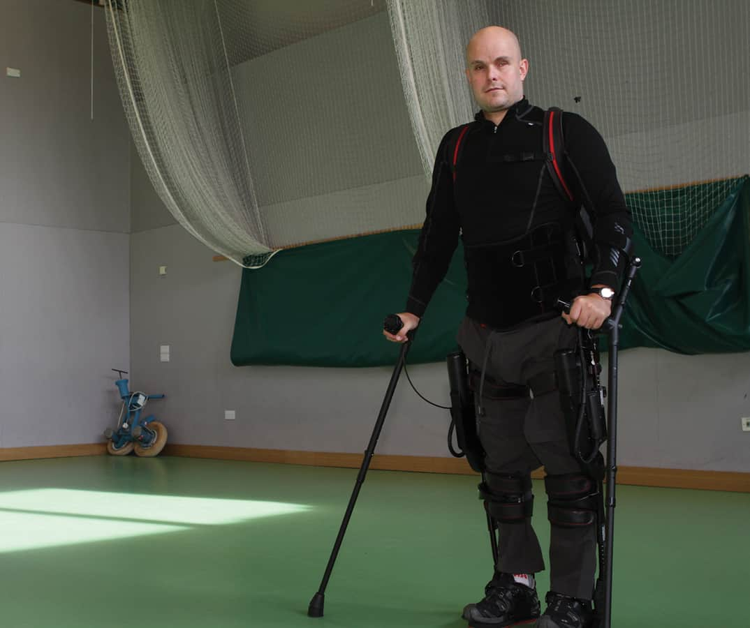 Mark-Pollock-Robotic-legs3